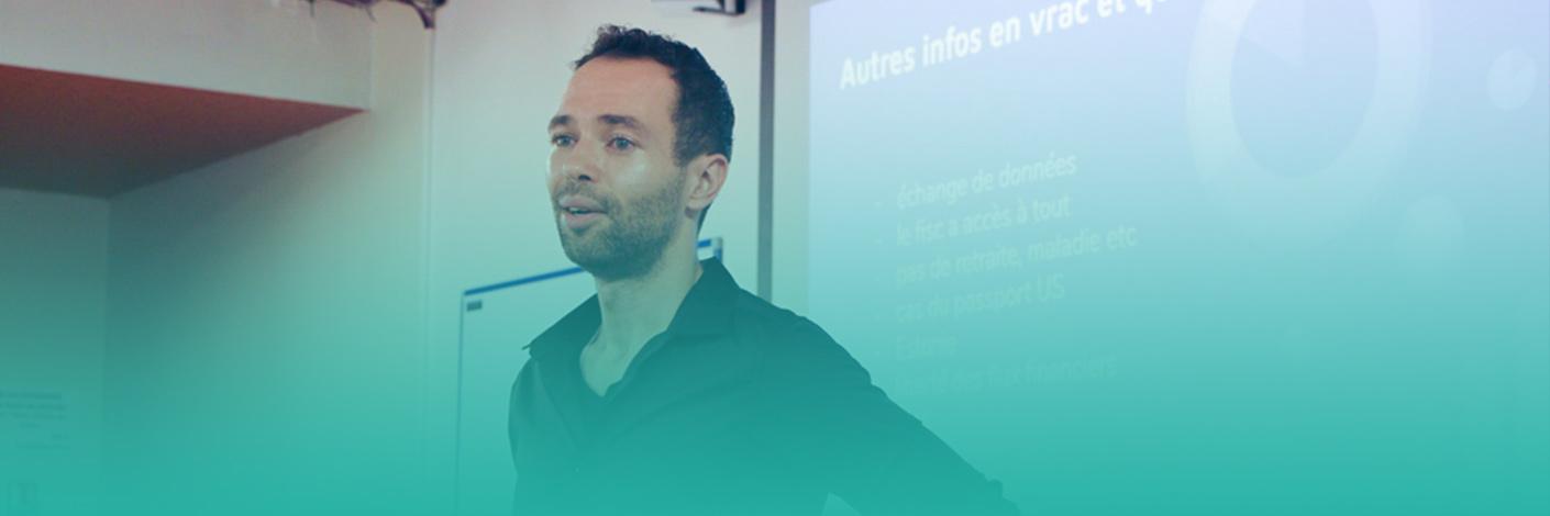 Sylvain le François anime une rencontre sur la vie de digital nomad